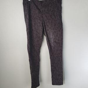 🐥 black and grey cheetah print h&m pants